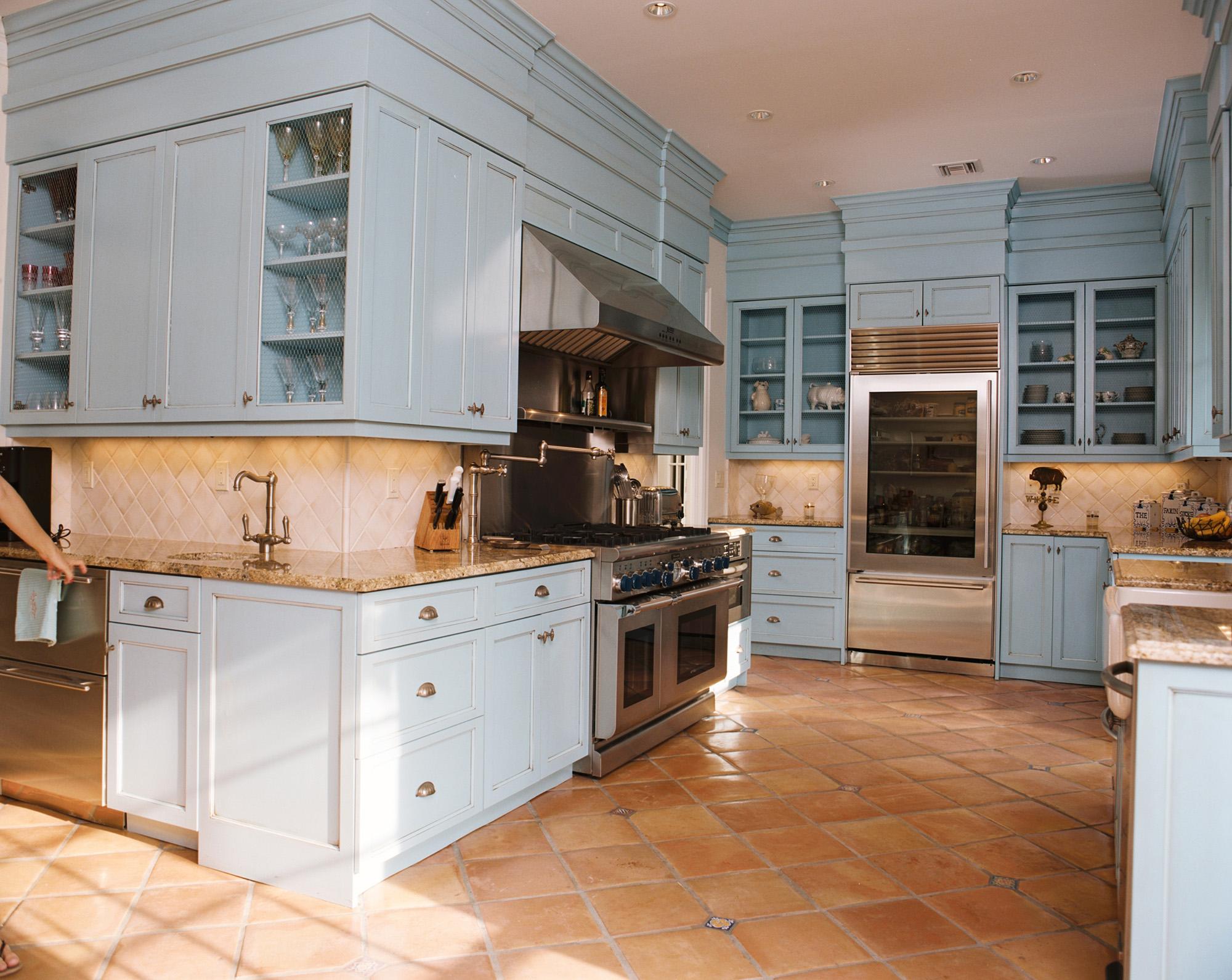 Luxury kitchen photos dunlap construction vero beach fl for Kitchen cabinets vero beach